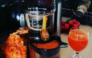 Frischgepresster Karottensaft