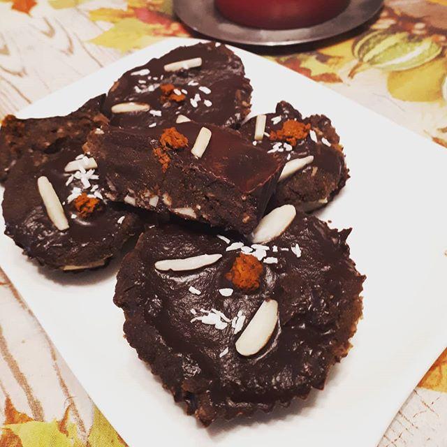 Kurkumaschokolebkuchen-rohvegan-glutenfrei